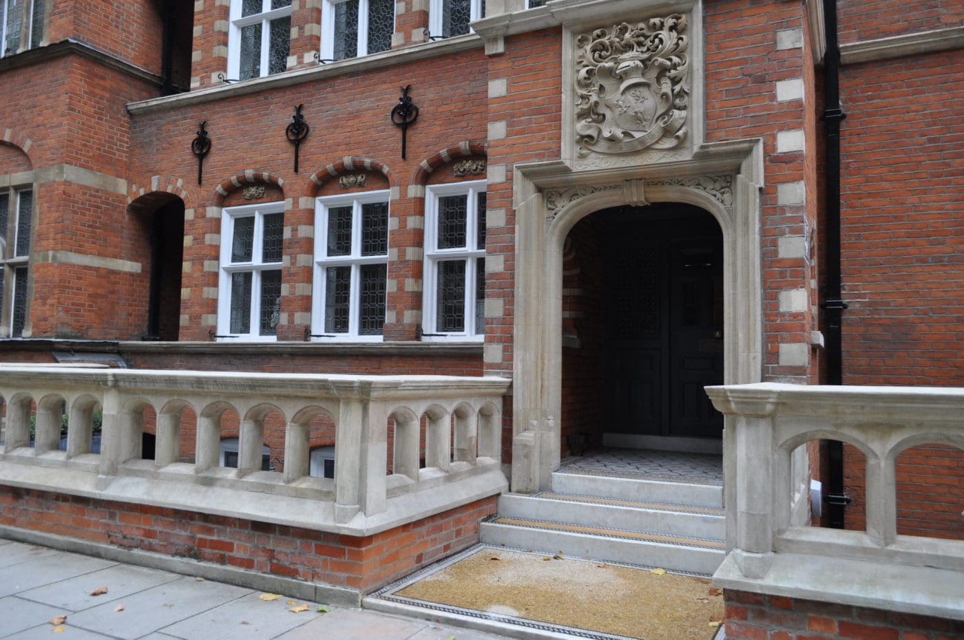 Exterior Painting and Decorating in London